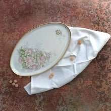 Carica l'immagine nel visualizzatore di Gallery, Limoges tray with rose flowers