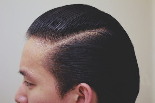 How to style a pompadour - Step 13.1