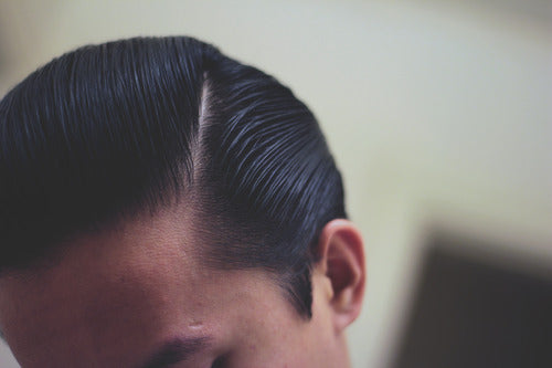 How to style a pompadour - Step 14.1