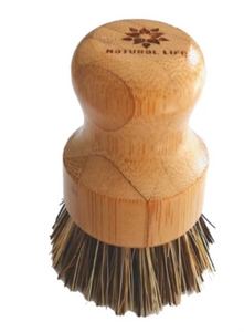 The easy to hold handle Pot Brush is made from FSC approved Bamboo that is naturally anti-microbial, and the bristles are made from high quality palm fibres that are naturally strong and durable.