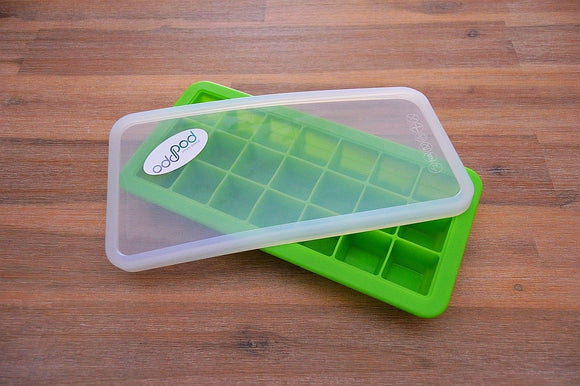 Silicone baby food tray with lid is ideal for preparing homemade nutritious meals for babies and snack food for toddlers, in a sustainable way.