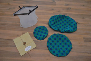 Eco Kitchen Intro Pod includes a set of dish covers or bowl covers, a reusable silicone bag and a beeswax wrap. Eco-friendly and sustainable alternatives to single use plastic for any food storage.