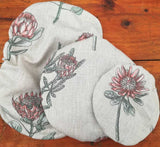Lovely protea dish cover set, keeping your dishes and bowls covered in style when either on the table or in the fridge. The dish cover set makes an ideal gift.