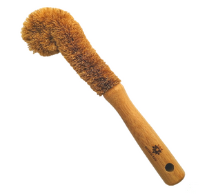 The handle of this bottle brush is made from FSC approved Bamboo that is naturally anti-microbial, and the bristles are made from high quality Coconut Fibres that are naturally strong and durable.
