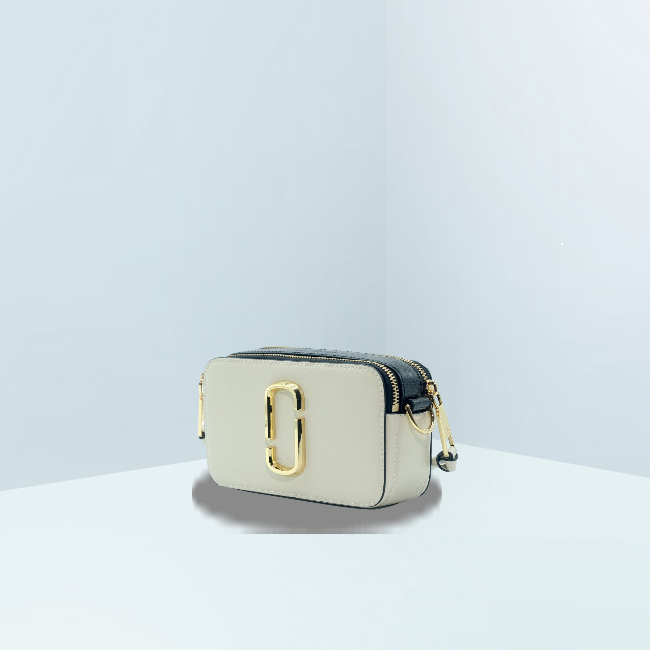 The Marc Jacobs Small Snapshot Camera Crossbody Bag