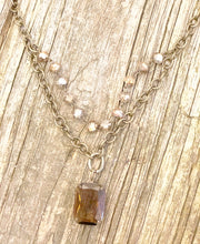 Load image into Gallery viewer, Vintage Style Crystal Pendant Necklace