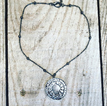 Load image into Gallery viewer, Short Coin Necklace