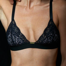 Load image into Gallery viewer, Tiervel Leeutert / Black Bralette