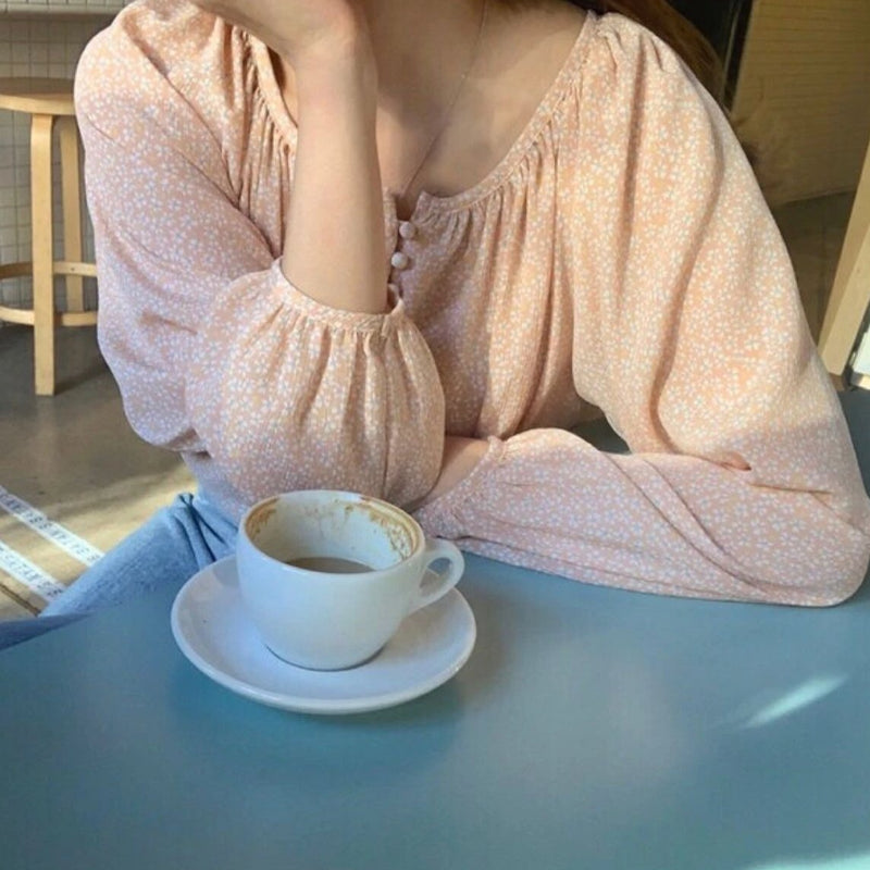 mini flower balloon sleeve blouse