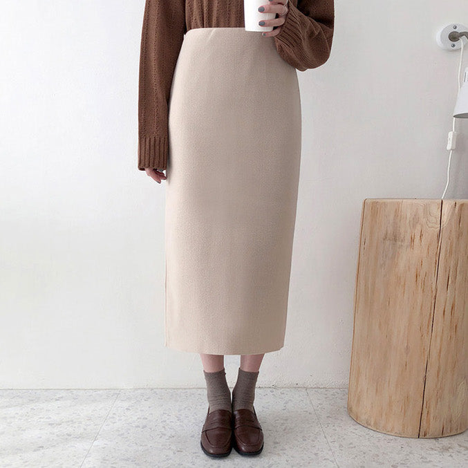 relaxy soft knit skirt