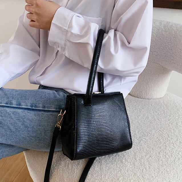one handle fake leather bag