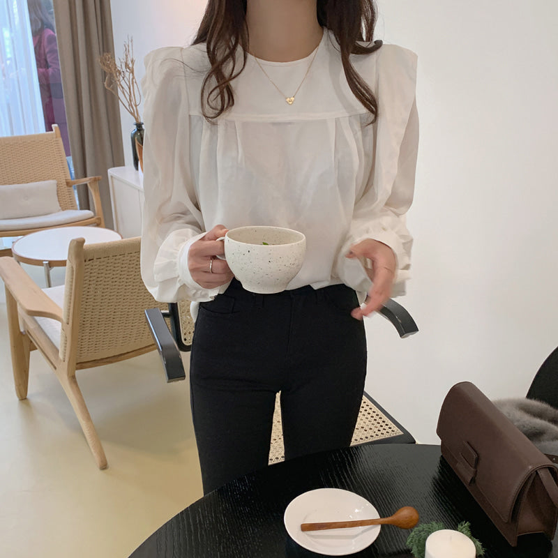 wing shoulder blouse