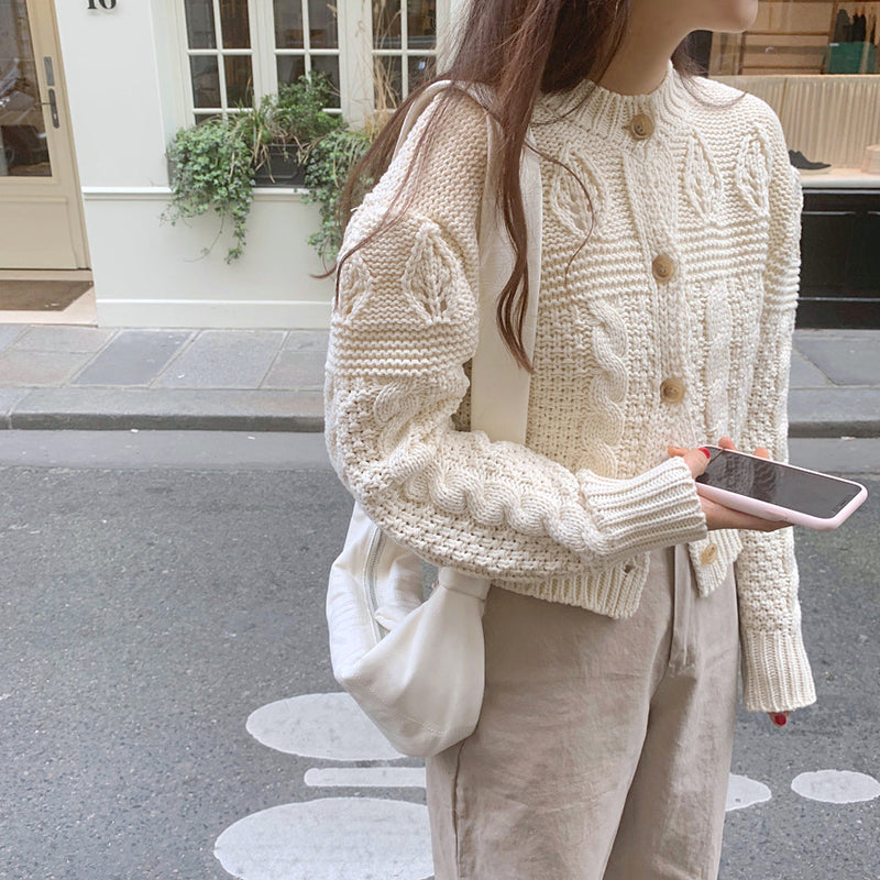 medium high neck cable knit