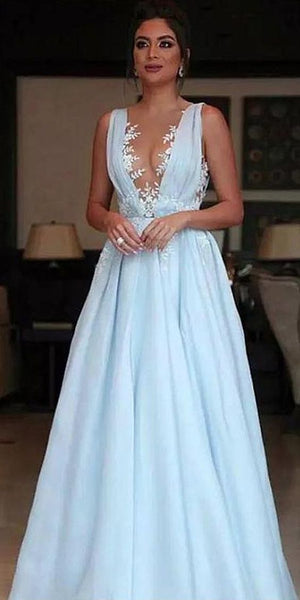 Charming Tulle V-neck Neckline Floor-length A-line Prom Dresses With Lace Appliques