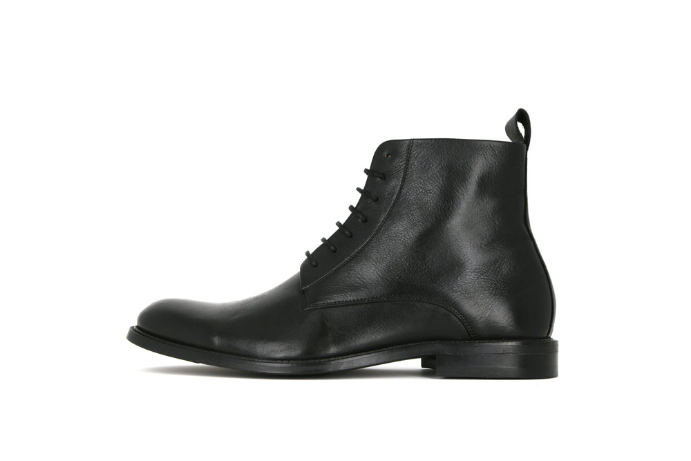 Alias Classic Lace Up Boot