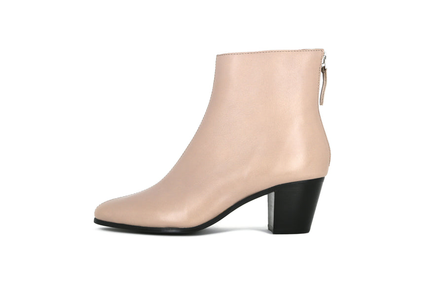 Avenue Minimal Ankle Boot