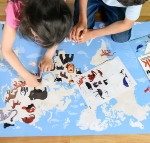 Poppik Giant Poster with 76 Stickers Animals of the World
