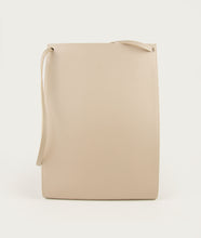 Load image into Gallery viewer, Gwyneth L opaco beige with Horn