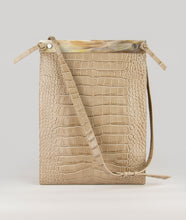 Load image into Gallery viewer, Gwyneth bag in beige, size L, with croco effect embossed. The front plate is made from cow horn. The Handbag comes with an adjustable shoulder strap. It's made from Italian calf leather. Elegant and contemporary blend.
