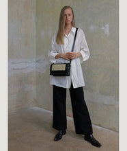 Load image into Gallery viewer, Vienna Crossbody M Black