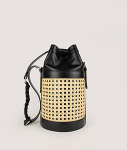 Vienna bucket bag, size M in black from Italian calf leather. Short signature hand knotted handle with additionally long thin removable shoulder strap. Inner pocket. D-key ring.
