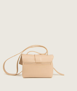 SAGAN Vienna - unique scarf Crossbody bag in beige, S size, made from spanish smooth lamb leather, inspired by a draped scarf, soft and easy to carry for spring and summer, small inner pocket and outside pocket on the back. Cotton lining.