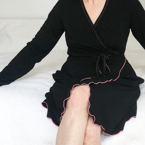 Robe, Bath Robe, Black, Loungewear, Sleepwear, soft, ultra soft, sustainable production, enhanced breathability, breathability, Tencel, Modal, Made in Canada, Mimi Island Designs, female, women, mothers, daughters, buttery soft, ultra soft
