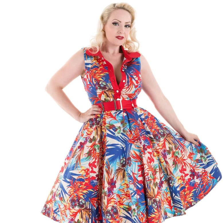 Hearts and Roses Amazon Floral Swing Dress-Vendemia