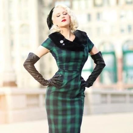 Voodoo Vixen Rachel Tartan Dress with Fur Collar-Vendemia