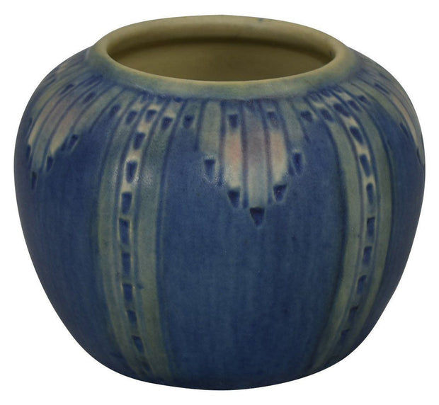 Newcomb College Pottery 1933 Espanol Design Vase (Ivine) - Just Art Pottery