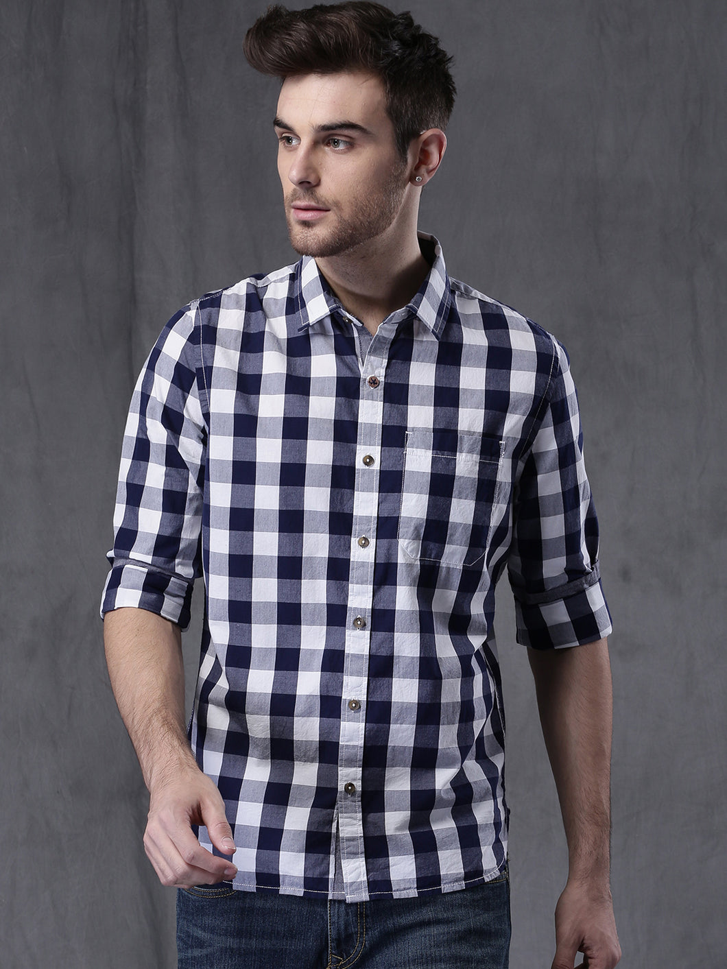 Men Navy & White Slim Fit Checked Casual Shirt