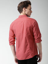 Load image into Gallery viewer, Men Red Slim Fit Solid Casual Shirt