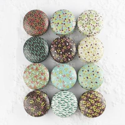 1PC NEW Mini Elegant Flower Tin Box DIY Candle Jar Balm Round Empty Iron Box Portable Lipstick Zipper Cream Storage Box