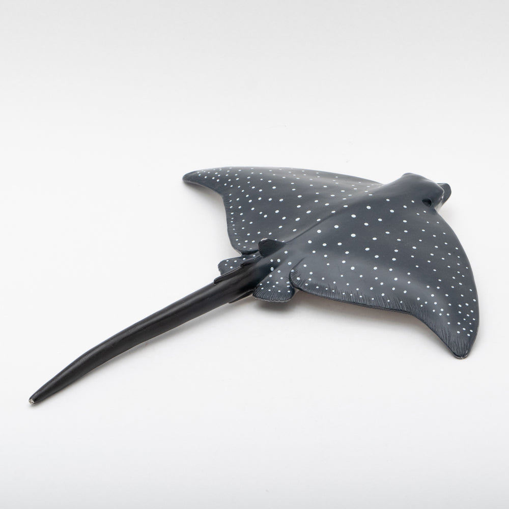 Load image into Gallery viewer, Spotted Eagle Ray Vinyl Model