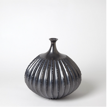 Load image into Gallery viewer, Sawtooth Vase