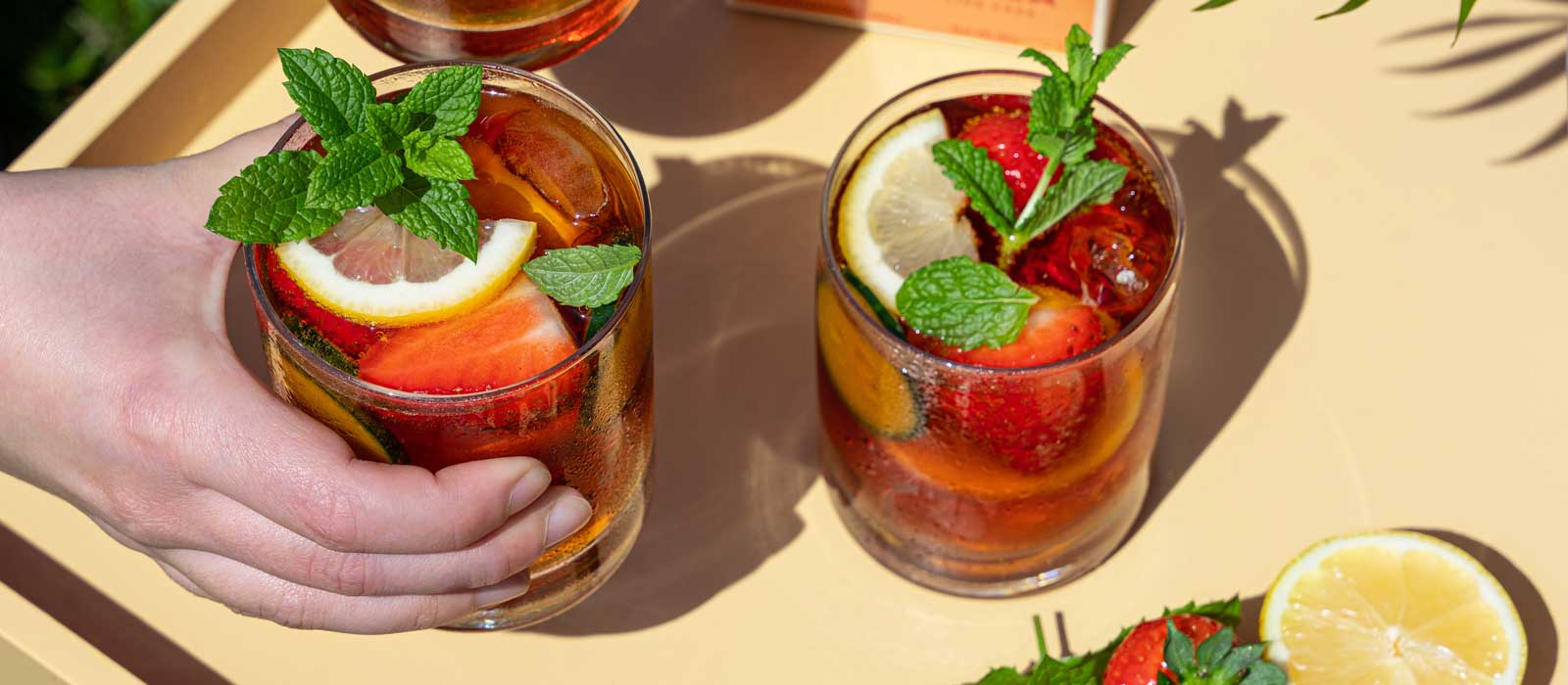 Pimms iced tea with rooibos - banner