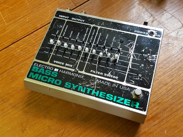 electro harmonix bass micro synthesizer vintage effect pedal for sale soundgas classic. Black Bedroom Furniture Sets. Home Design Ideas
