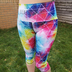 Luesque VERSION 2 Shattered Rainbow Capri Length Leggings