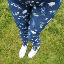 Load image into Gallery viewer, Luesque Geo Flowers Casualwear Leggings