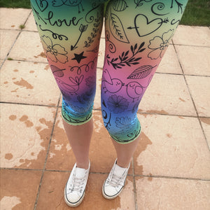 Luesque VERSION 3 Cheryl's Doodles Capri Length Leggings