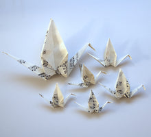 Load image into Gallery viewer, Tischdekoration, Thema Motto-Party, Origami Kranich. Origami Dekoration. 6er Set.