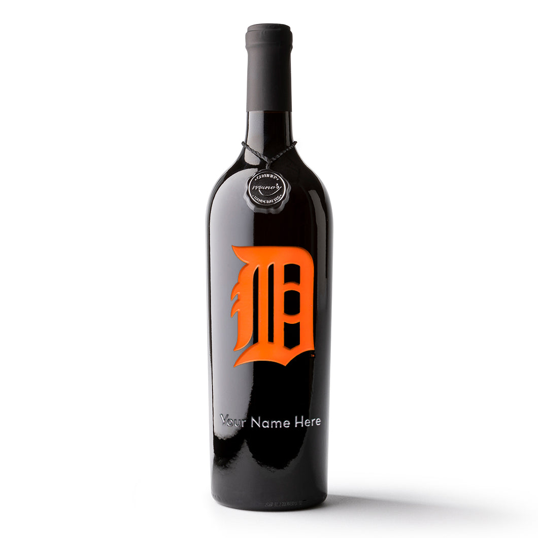 Detroit Tigers™ Logo Custom Name Etched Wine Bottle