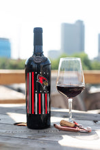 Load image into Gallery viewer, Illinois State Flag Etched Wine Bottle