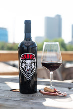 Load image into Gallery viewer, University of New Mexico Lobos Etched Wine Bottle