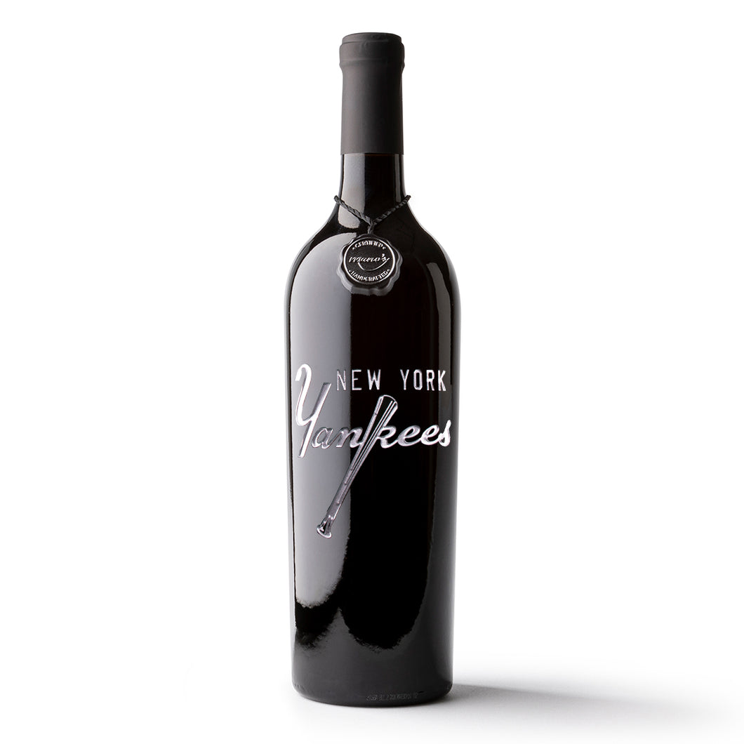 New York Yankees™ Script Logo Etched Wine Bottle