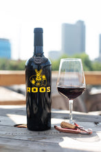 Load image into Gallery viewer, UMKC Roos 2019 Logo Etched Wine