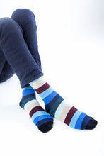 Load image into Gallery viewer, Men's Rainbow Stripes Socks