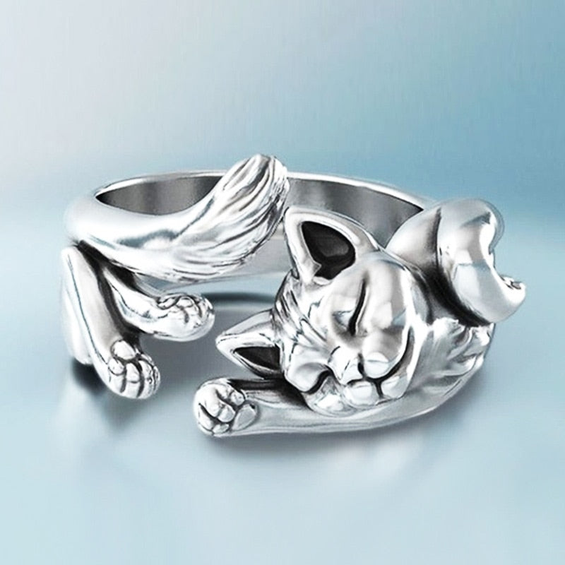 Very Beautiful Sleeping Cat Ring!