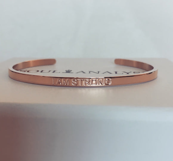'I AM STRONG' - Strength Affirmation Bracelet - (Rose Gold)