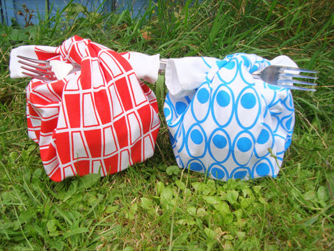 Retro, MCM tea towels as picnic bundles for lunch in the park [thedasherie.com]